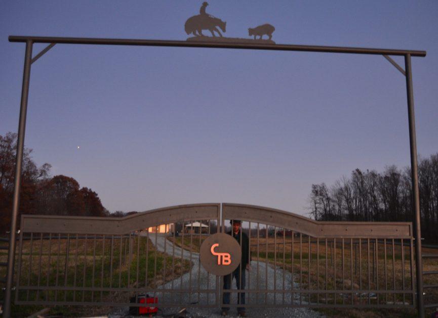 Driveway gate cutting horse metal art entrance CT Bryant 6