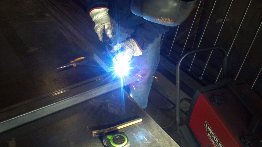 Welding mitred steel tubing