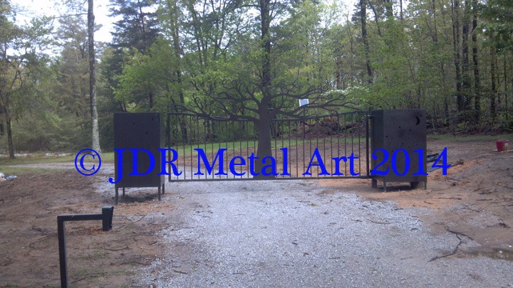 Front gate for Chattanooga TN driveway entrance features customized tree design.