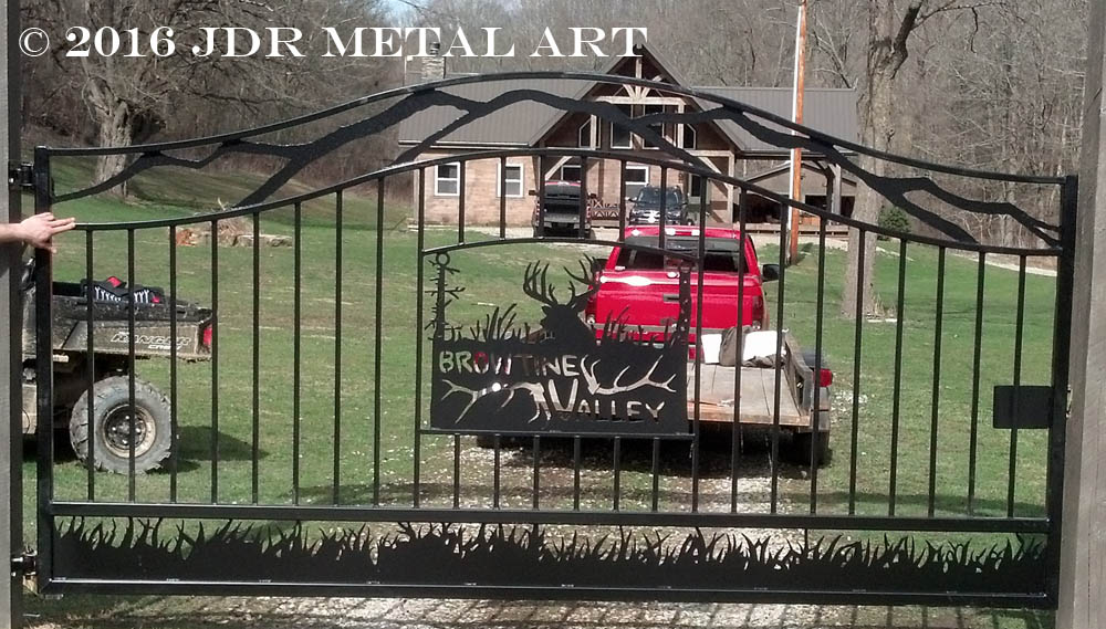 Arched top picket gate with deer silhouette for a hunting preserve by JDR Metal Art 2016 2