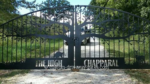 Creative tree themed driveway gates for Missouri entrance.