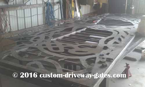 Estate gates artistic tree theme jdr custom driveway for Ready made driveway gates