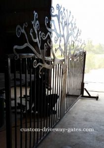 driveway-gate-curly-tree-design-rusty-by-jdr-metal-art