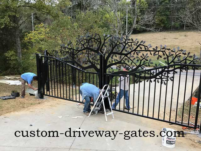 Driveway gate installed in Louisville, Kentucky by JDR Metal Art Oct 2016