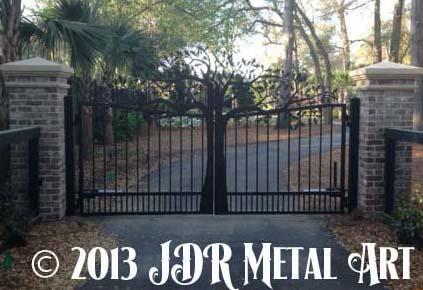 South Carolina Metal Gates with Tree Design