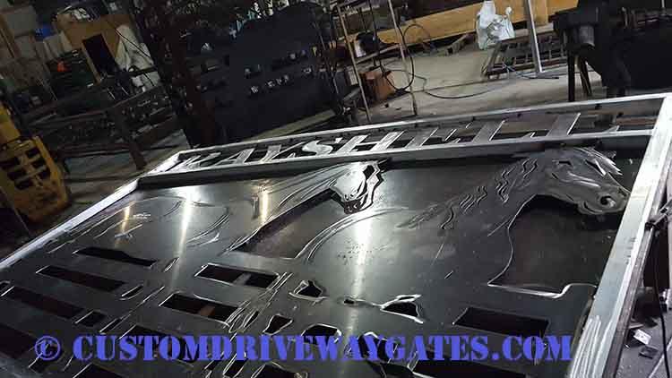 Custom aluminum gate manufacturer JDR Metal Art