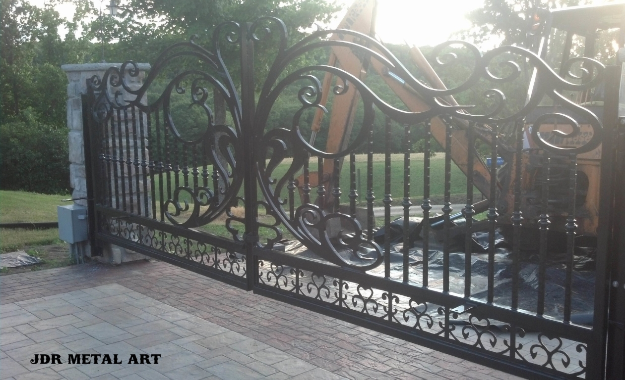 Wrought iron scroll driveway gates by JDR Metal Art unsmushed