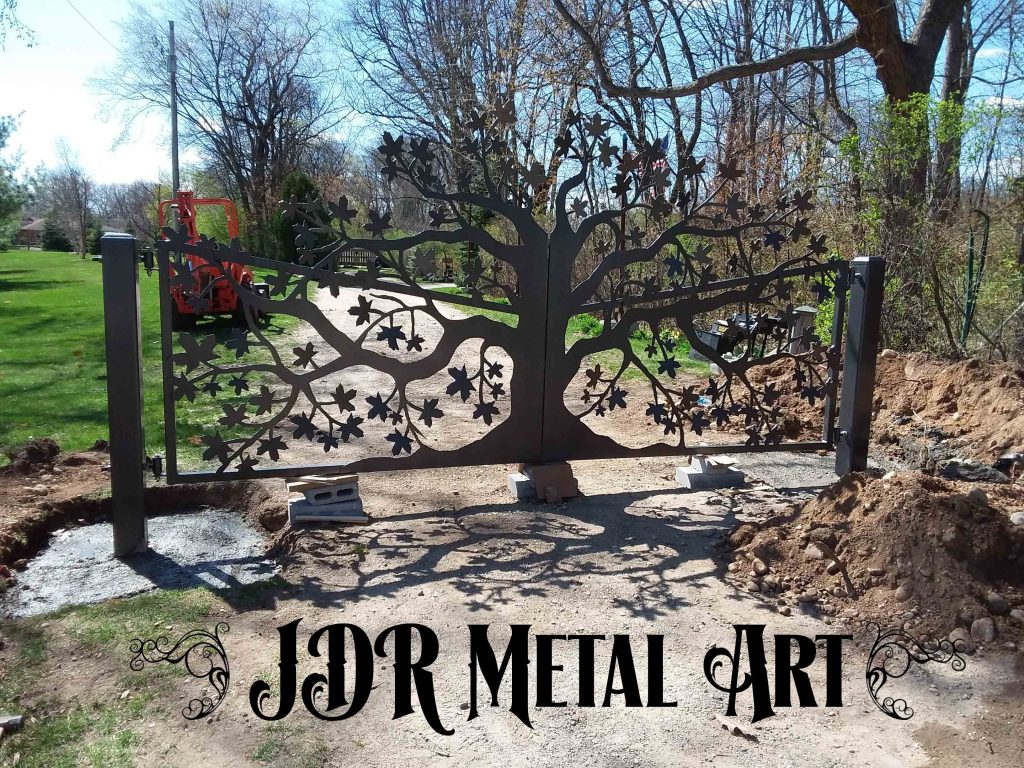 Entry gate with maple tree metal art design
