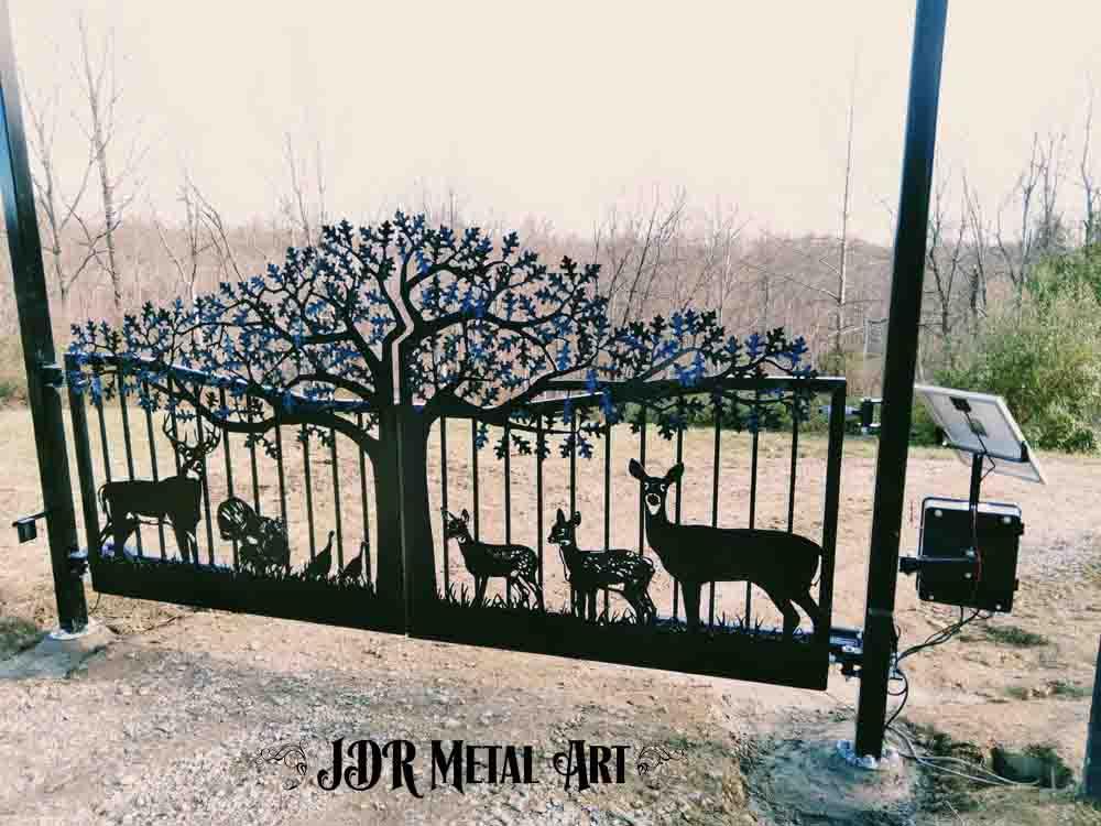 Ranch driveway gates by JDR Metal Art