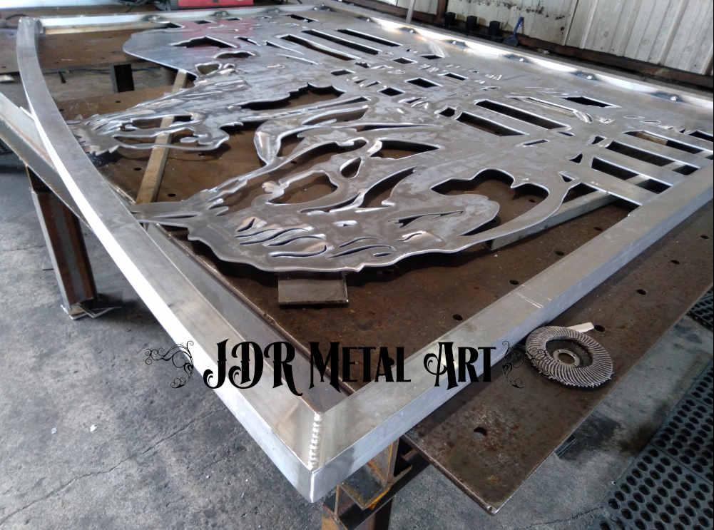 equine metal art driveway gates