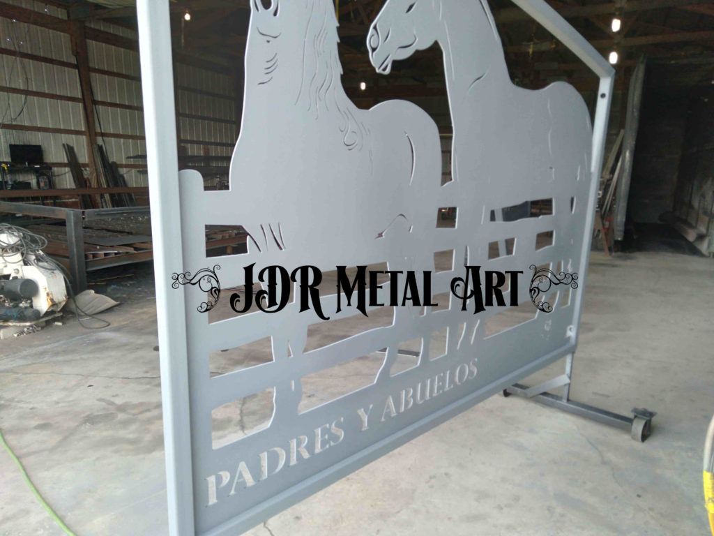drive gates with horse design